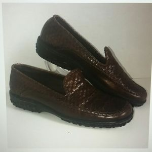 COLE HAAN BROWN COURTNEY WEAVE LOAFER 7.5 AA